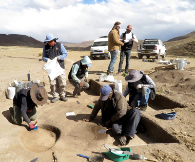 Archaeologists work at the Wilamaya Patjxa site.