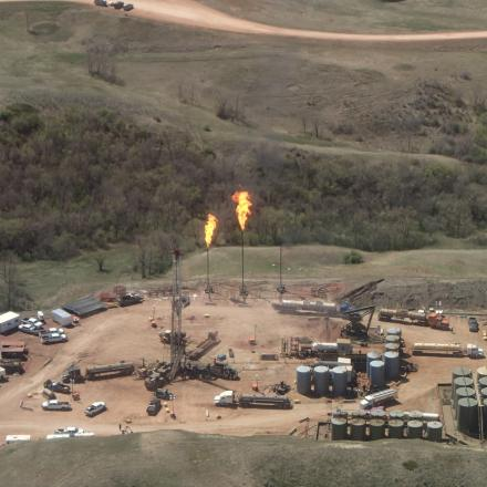 A new study by NOAA and CIRES finds the Bakken oil and gas field in North Dakota leaks about 275,000 tons of methane every year.